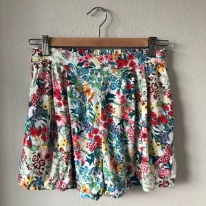 H&M flowy vibrant floral printed colorful shorts